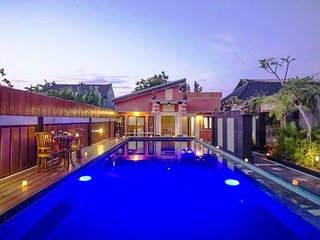 Cosmopolitan Seminyak 1Bedroom 2Guest Kitchen Set