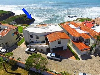 10 minutes South of Rosarito, OCEAN FRONT, VIEWS, gated, sleeps 6, 2 plus 2