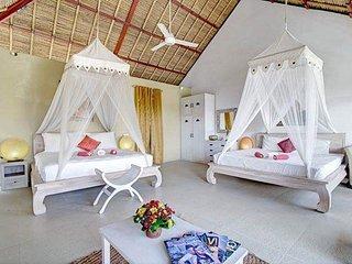 Bali *FREE* luxury open VIEW SUITE 2 king beds, Umalas Bumbak, 8min beach Canggu