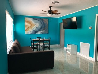 Just renovated 2BD/2BA! 1/2 away from the beach