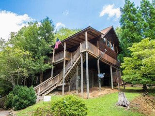 15% off 12/11-12/21 Pet Friendly Cabin - 2 King Suites, Close to Attractions, Sm