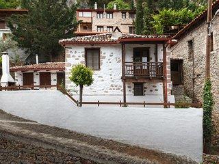 Nostos Cottage in Lilaia, Delphi