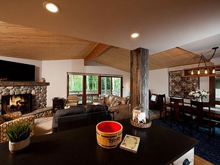 Just Remodeled Ski in/Ski Out Condo - Deck - Awesome Views