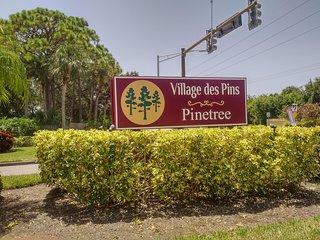 Sunny villa in Village des Pins, near Siesta Key.