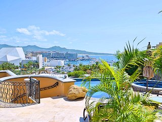 Casa B, Luxury Villa, Marina View, Sleeps 12