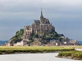 The beautiful Le Mont St Michel just 25 minutes away