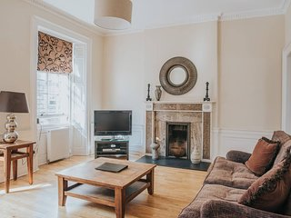 Classic 1-Bedroom First Floor Apartment, Off George Street