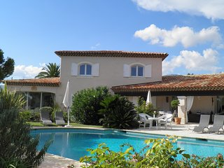 Independant appartment in villa with pool in the Provence Côte d'Azur