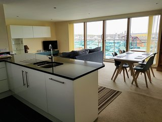 Luxury Harbourside Apartment with sea views