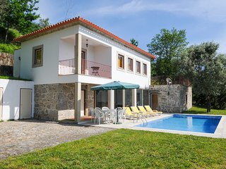 4 bedroom Villa in Ponte de Lima, Viana do Castelo, Portugal : ref 5658327