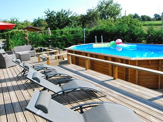 2 bed 2 bath open plan Bungalow with large terrace & heated outdoor pool