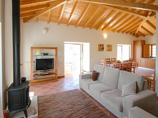 Estoraos Villa Sleeps 8 with Pool - 5658331