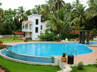 Dream Goa 2Bhk Luxurious Apt Near Club Cubana