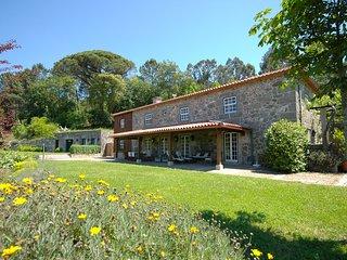 Calheiros Villa Sleeps 14 with Pool - 5658329