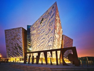 NEW fabulous apartment 5 mins from Titanic Quarter