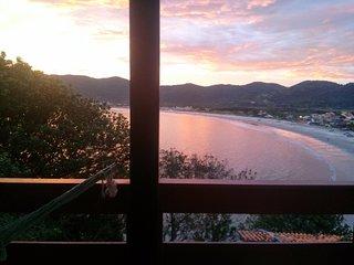 Casa de 2 quartos com linda vista para o mar em Florianópolis - perto da praia