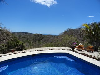 Villa Omkara - Rexlaxing Nature and Breathtaking Views at Your Doorstep