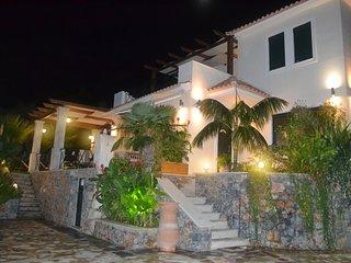 Villa Kaldera by GVenieris