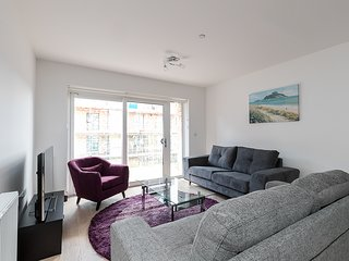 Luxury Riverside Apartment in Barking