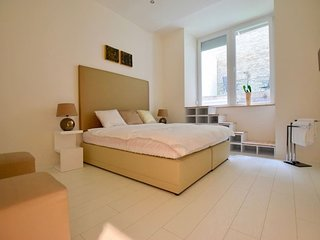 Binder Home – Stylish Studios in Down Town Budapest/Parliament - Gold