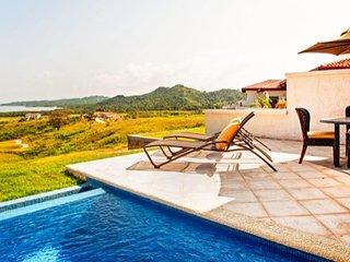Ocean View Villa RO006