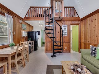 Newly Remodeled A-Frame Cottage close to Disney