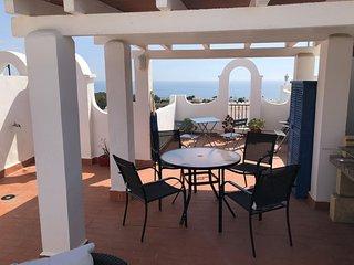 Appartement pour 7-8 personnes a 500 m de la plage