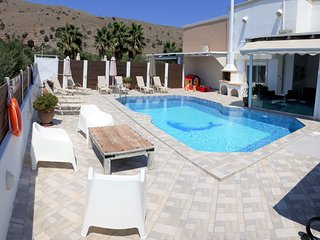 Villa Fantasia walking distance to the sea