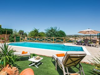 Algoz Villa Sleeps 4 with Pool Air Con and WiFi - 5666431