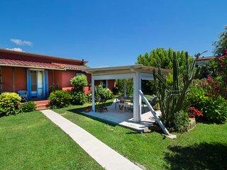 1 bedroom Villa in Lido di Camaiore, Tuscany, Italy - 5055141