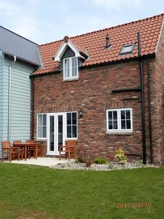 Ridgeway Cottage, two bedroom pet and smoke free holiday home close to the beach