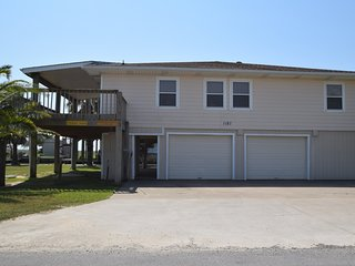 Stingaree Landing ( 3 Bedroom Home )