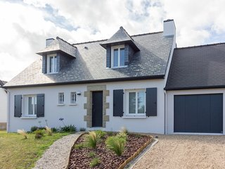 4 bedroom Villa in Port-Blanc, Brittany, France : ref 5658521