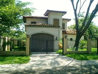 Casa Colonial perfect beach home walking distance to the beach