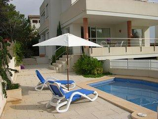 Villa Violeta, Chalet para 8 personas a unos 50 mts del mar y piscina privada.