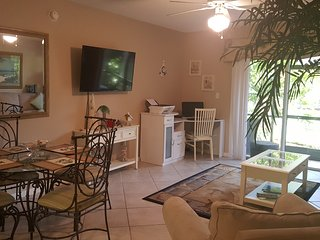 1st Floor convenient location. Just a few minutes from beach