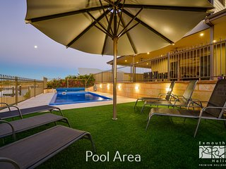 7 Kestrel Place - PRIVATE JETTY & POOL