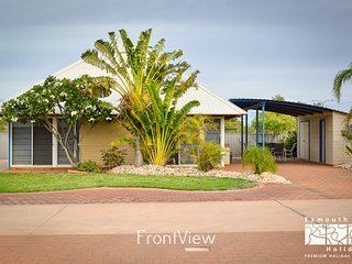 Osprey Holiday Village Unit  112 - Wake up to views from the loft in your 4 Post
