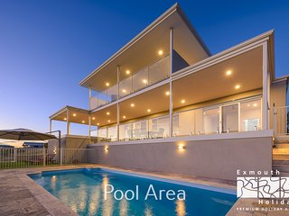 32 Corella Court - Private Jetty and Pool