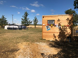 Mad Hatters Campsite & Glamping Tent 8