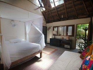 Jungle Eo Cabana on the Beach Road 02 / Best Location