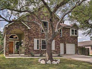 NEW! Live Oak Home w/Hot Tub Mins to San Antonio!