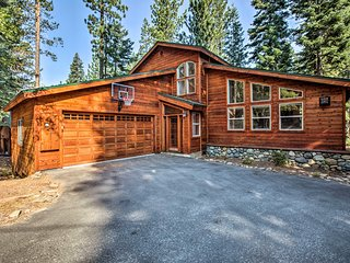 NEW!Tahoe Home w/Hot Tub, Patio & Basketball Hoop!
