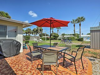 Home w/ Furnished Lanai - 1 Block to Ormond Beach!