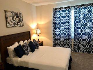 3 bedroom with golf view, Free WiFi & Parking near Disney. CG9006