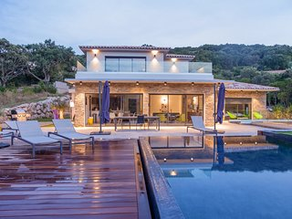 Modern and full equipped  villa in Porto vecchio, between Sea and Mountain