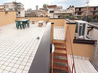 Locri Villa Sleeps 4 with Air Con and WiFi - 5229482