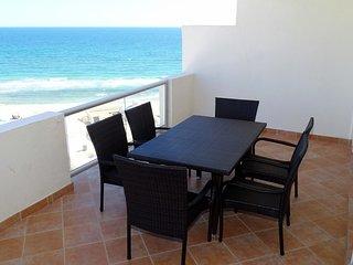 Las Palmas Resort at Sandy Beach: Condo Grande-701