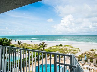 Unit 2- Stunning direct beachfront condo in Indian Shores