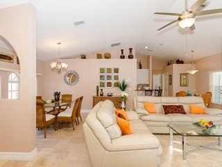 Alecia, 4 bedroom Villa with tropical garden, pool and gulf access.